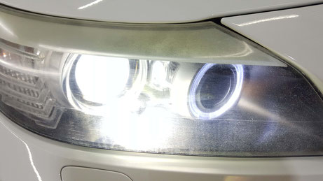 BMW・Z4のヘッドライトのひび