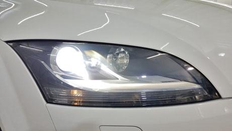 アウディTT8Jのヘッドライトコーティング完成 磨きでライトのクラック除去 ライトの透明感改善