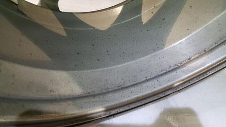 bnr34純正ホイールの汚れ 鉄粉 ダスト サビ