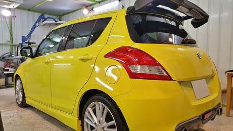 ZC32スイフトスポーツの汚れ除去 黄色い車のコーティングメンテナンス 所沢の車磨き専門店