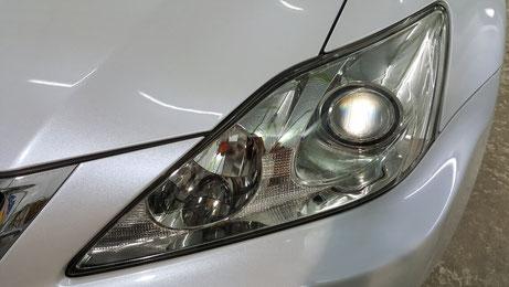 ヘッドライトが新品のように綺麗になったレクサスIS アートディテールでヘッドライトの磨き・コーティング