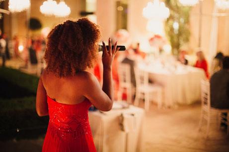 Life-Time.Events Hochzeitssänger Hochzeitsband curly hair