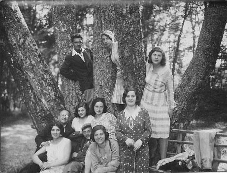 ОШ-3. Меж дерев. Это Сигулда, 1931 г.