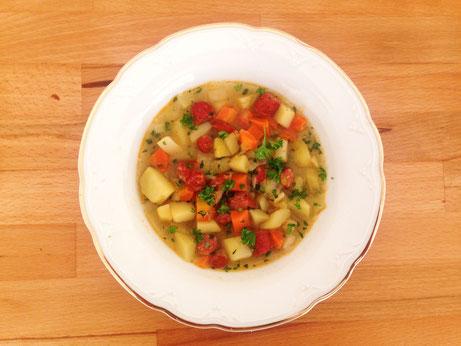 Kartoffel-Karotten-Suppe mit Cabanossi