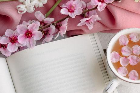 バラのブーケのペーパークラフト。For youのメッセージカード付。