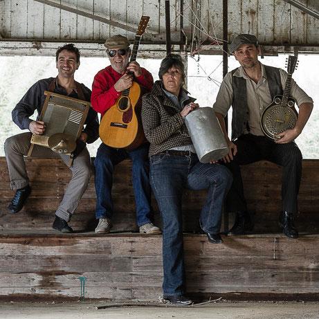 2013. CD Stealin'. Gourville Jug Band.