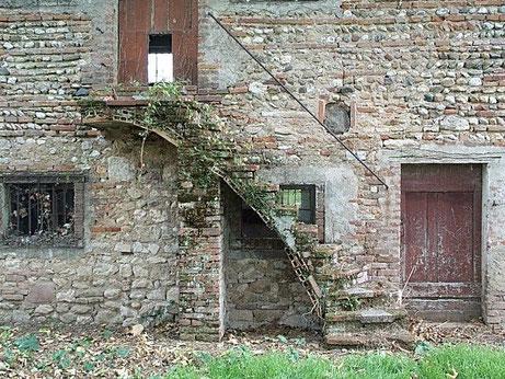 D'une façade historique un peu fatiguée....