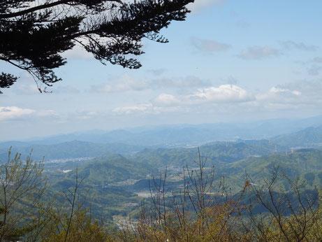 山頂からの綾部市街
