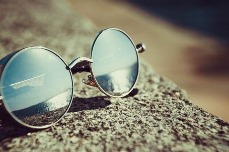 Mit einer runden Brille bist du auf jedenfall im Trend!