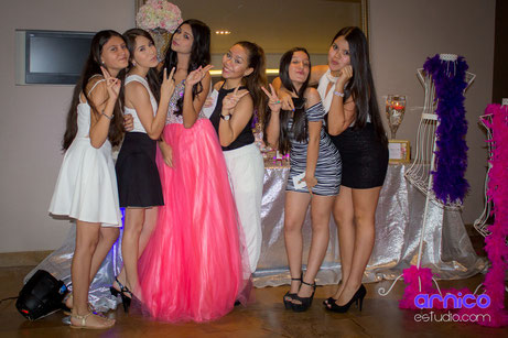 Fotógrafo para quinceañeras en Villavicencio ArnicoEstudio.com