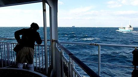 伊良湖岬を出稿してしばらくは強風が吹き荒れた でも船はさほど揺れない