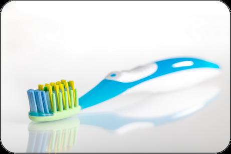 Worauf kommt es bei der Auswahl einer Zahnbürste an? Sind harte, mittelharte oder weiche Zahnbürsten besser? (© themanofsteel - Fotolia.com)