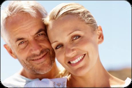 Bis zu welchem Alter sind kieferorthopädische Behandlungen für Erwachsene möglich?  (© Yuri Arcurs - Fotolia.com)