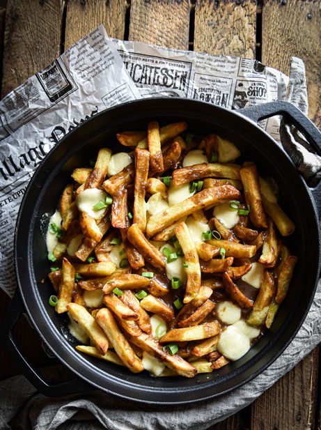 Poutine, Pommes frites in brauner Soße, vegan, Thermomix