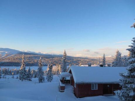 Sjuesjoen  Tolles Blockhaus Natrudstilen . Kurze Entfernung zum Skigebiet Sjusjoen .