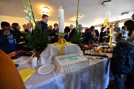 Nach dem feierlichen Gottesdienst wurde ausgiebig weiter gefeiert