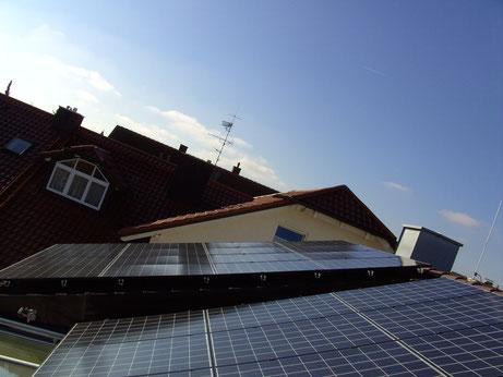 Dach check Beratung und KWK Technik Solarstromanlagen / Photovoltaik