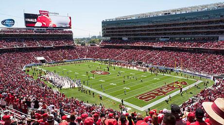 NFLスーパーボウル 2016が実施されるLevi's Stadium CC BY 2.0 Jim Bahn