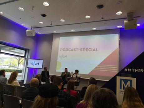 """Die Podcaster von """"My Dad wrote a Porno"""" auf den Medientagen München 2019"""