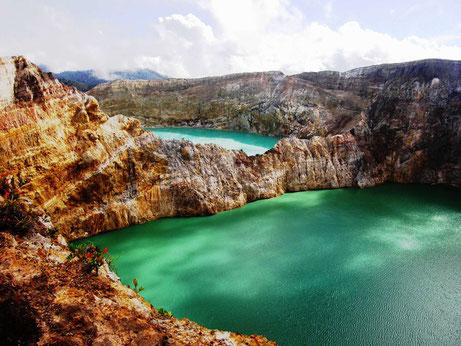 Veel kleuren meer van de Kelimutu vulkaan op midden Flores in Indonesie