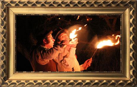Feuershow in Sachsen und Thüringen mit Holmes und Watson, mit Feuer und Flamme.