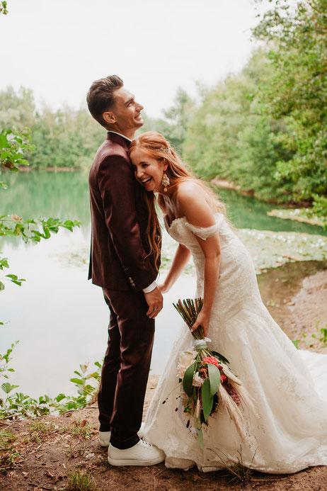 Boho Belgische bruid in natuur Waasland spontane fotografe