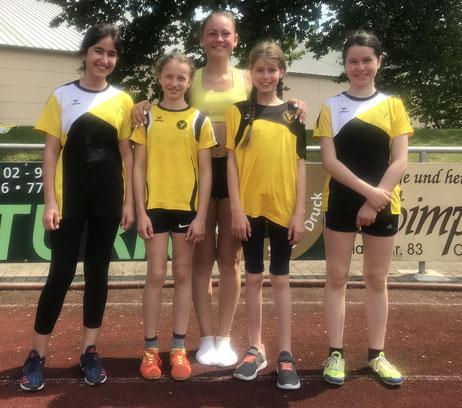 Nicola Müller mit den W12 Schülerinnen des LFV in Oberkirch
