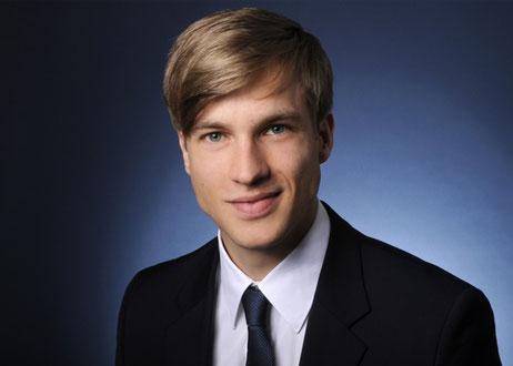 Portraitfoto von einem jungen Mann