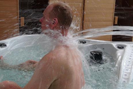 Spa hydrothérapie chez Tradi piscines proche d'Orléans