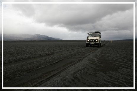 Reisefotograf JÜRGEN SEDLMAYR_Island_Land Rover