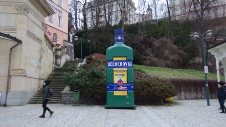 Der Becherovka ist allgegenwärtig...