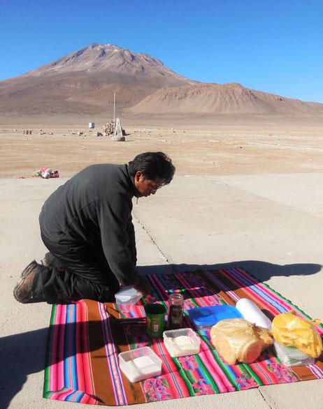 Frühstück kurz vor der Grenze zu Bolivien