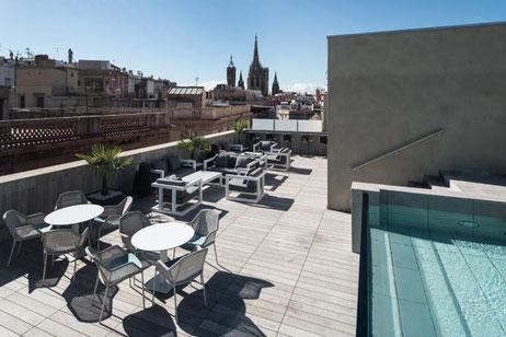 Лучшие отели 4 звезды в Готическом квартале Барселоны