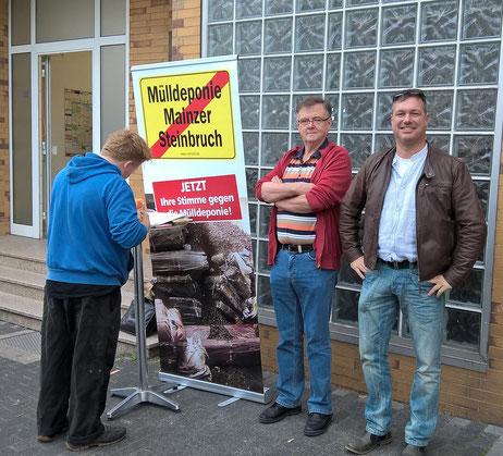 BI Infostand vor der Bäckerei Werner in Mz-Hechtsheim