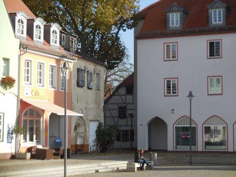 Der Senftenberger Markt, Blick zum Kirchplatz