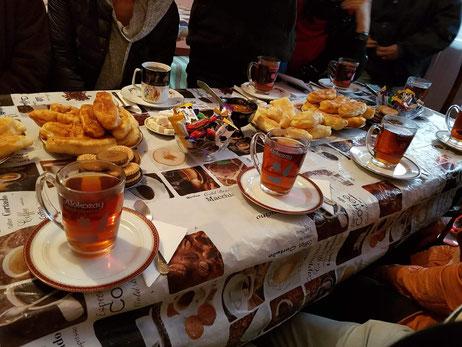 Autour du thé, chez les vieux croyants moloques de lermontovo, au nord de l'Arménie