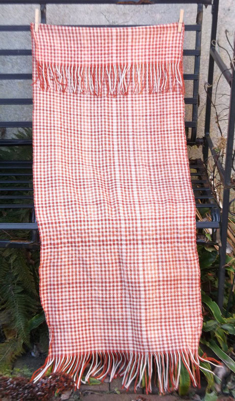 Handgemachte Nachwebung des Schals der Frau aus dem Huldremose Moor