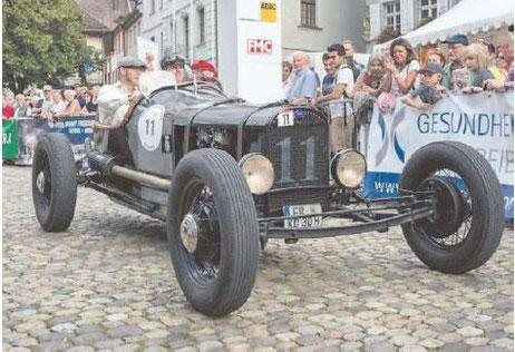 Nicht auf der Strecke bei der Oldtimer-Rallye, aber bei der Raritätenschau an Start und Ziel beim Restaurant Seeterrasse zu sehen: Der Ford-Rennwagen von 1930