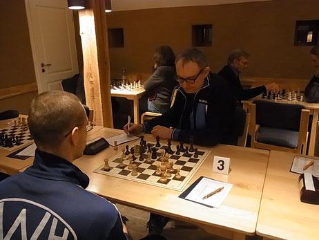 Bärenstark. Stefan Ehrig erspielte den ersten Brettpunkt der Saison für VSK 2