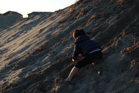 海遊び 冬 子ども colobockle コロボックル