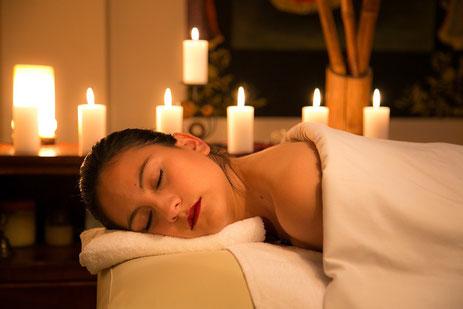 relaxation detente manucure massage corps bougie senteur orientale