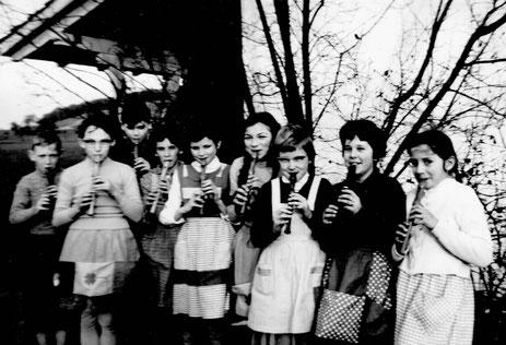 Blockflötenunterricht in vorwiegend weiblicher Gesellschaft (5. Klasse)