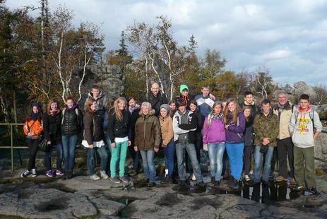 Die Schülerinnen und Schüler der Goldbachschule mit ihren polnischen Gastgebern im 2012