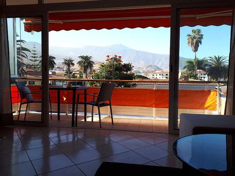 Blick vom Balkon der Wohnung in el Durazno in Richtung Pool und Gartenanlage vom Wohngebiet und Link zur weiteren Beschreibung der Immobilie.