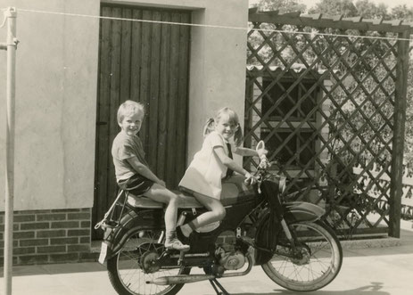 Auf Vaters Moped