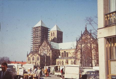 Domplatz Mitte der 1960er Jahre