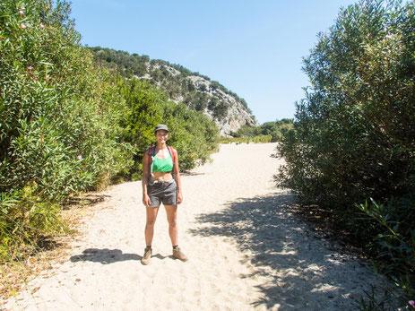 Gleich geschafft - schon stehe ich auf dem Sand der Cala di Luna