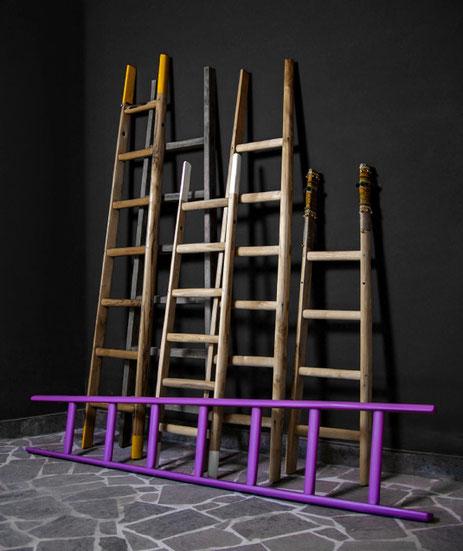 Collezione scale a pioli in legno per arredamento e decorazione di interni