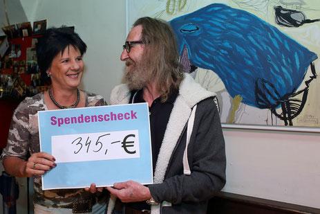 Ines Obex-Mischitz mit Künstler Johann Holzfeind-Wieltschnig