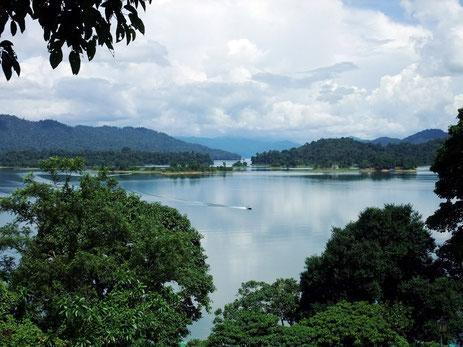 Lake Kenyir in West-Maleisië